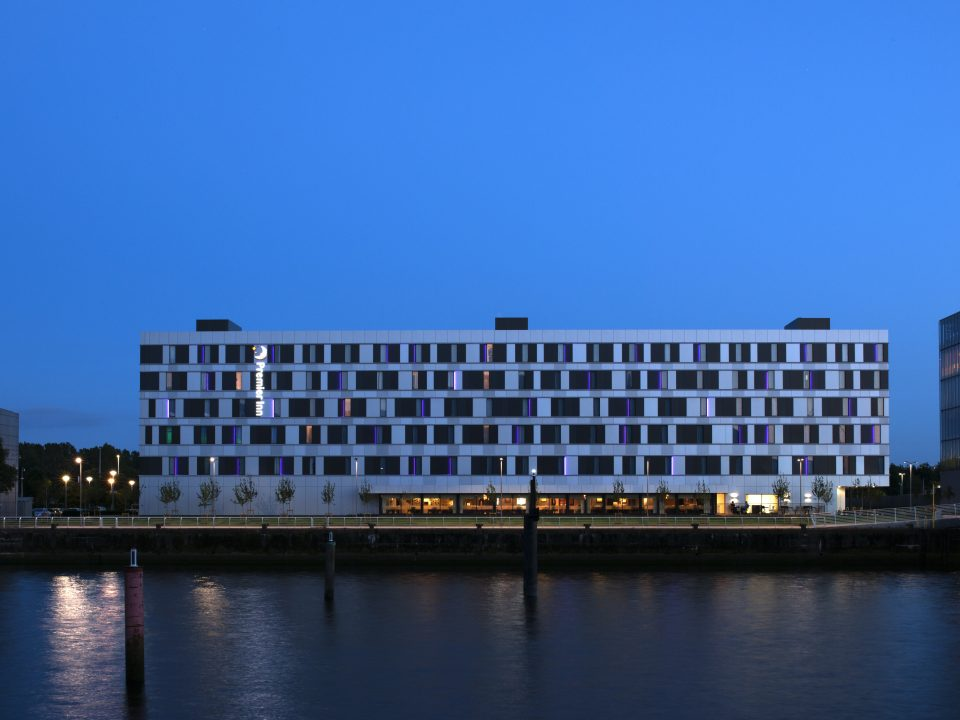 lma-chartered-architects-planning-consultants-premier-inn-pacific-quay